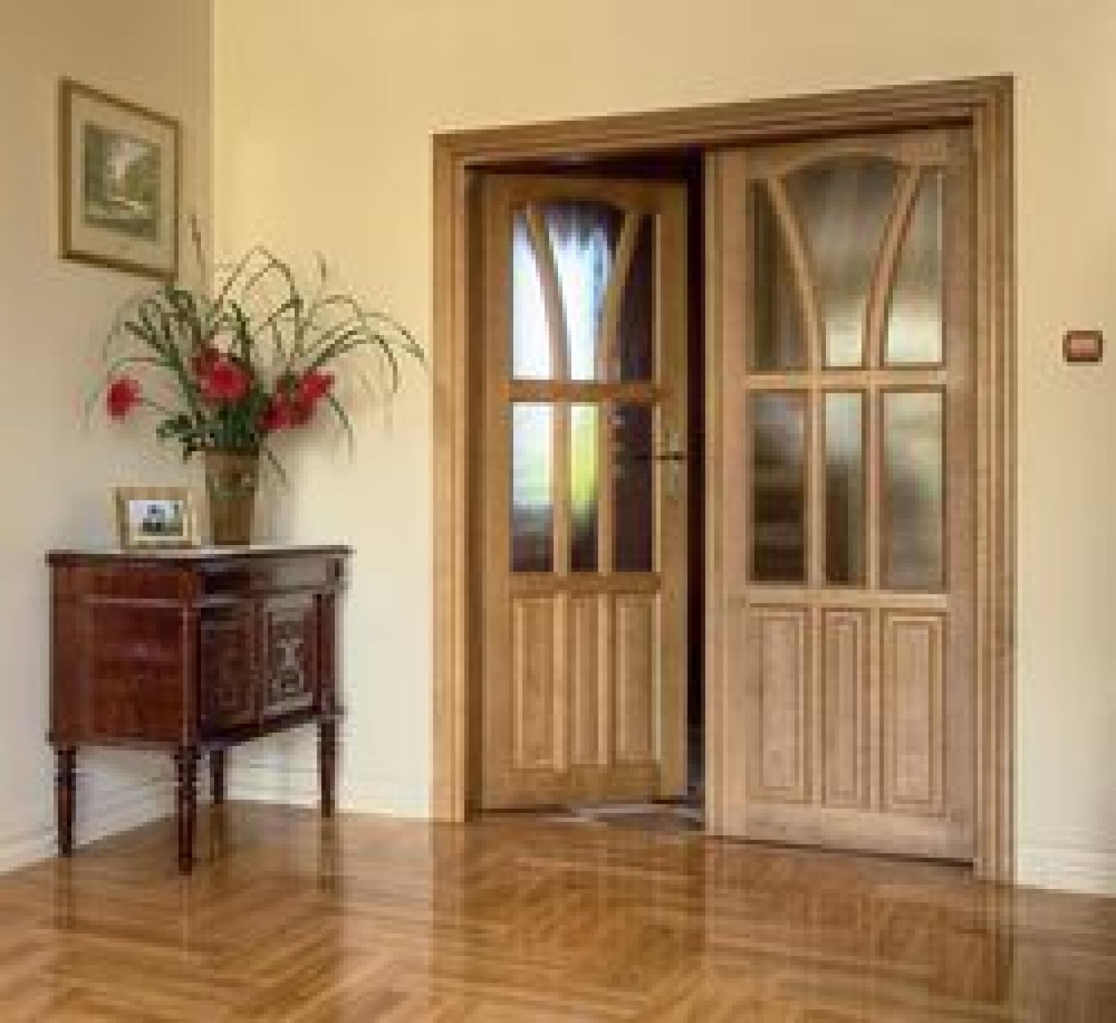 Nowe drzwi wewnętrzne – czy wymieniać ościeżnicę?