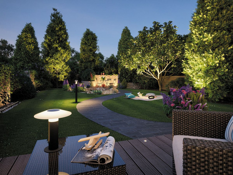 czy lampy solarne do ogrodu muszą być od południa