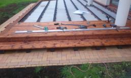Drewniany taras na gruncie - krok po kroku