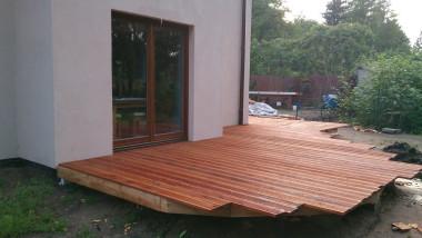 Будівництво дерев'яної тераси: обробка дощок