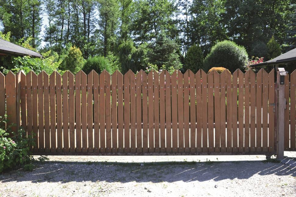 Забор из деревянных заборов